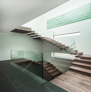 diseño-de-escaleras-baranda-de-cristal