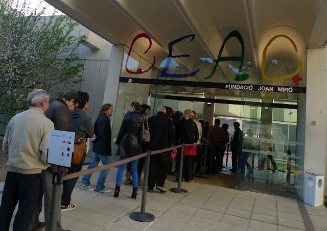 """Allau de visitans a la @FundacióMiró l'últim cap de setmana de l'expo """"L'escala de l'evasió"""""""