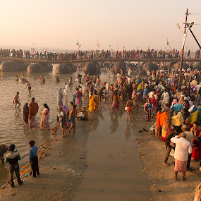 Pilgrims gathering at Kumbh Mela 2013 by Marco Parenti - People Group/Corporate ( people, crowd, humanity, society )