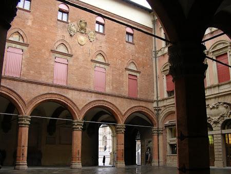 Obiective turistice Bologna: Palazzo Comunale