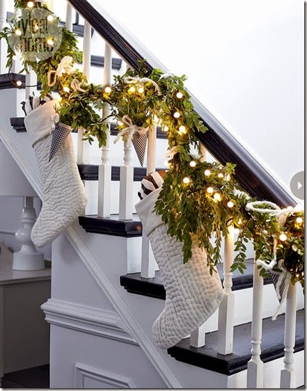 interior-muted-xmas-stairs