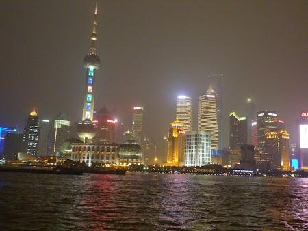 13. Shanghai by night.JPG
