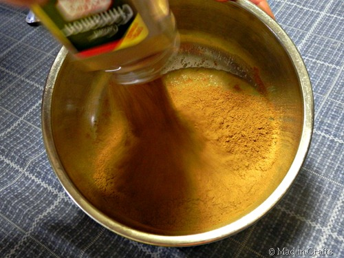 mix together cinnamon and applesauce