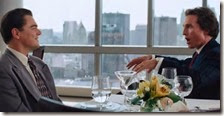Una scena del film The Wolf of Wall Street