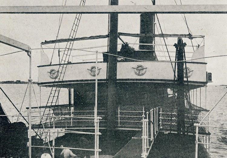 Puente abierto de gobierno. Revista La Vida Marítima. 1.904.JPG