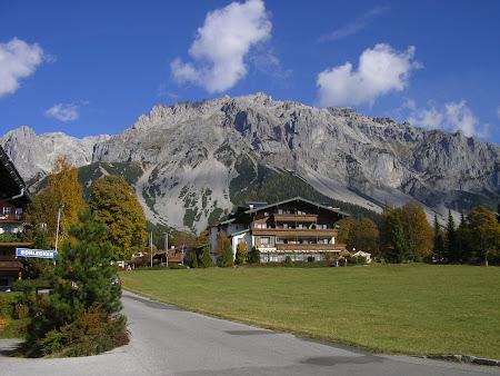 Imagini Austria: Dachstein, la picioarele muntilor