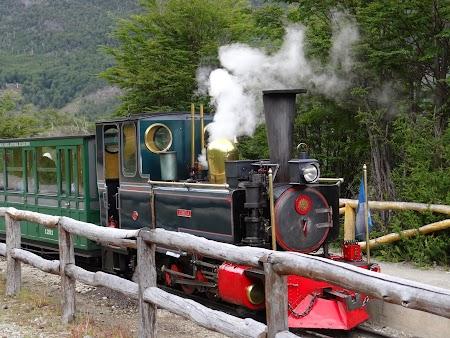 Tara de Foc: Locomotiva pufaind