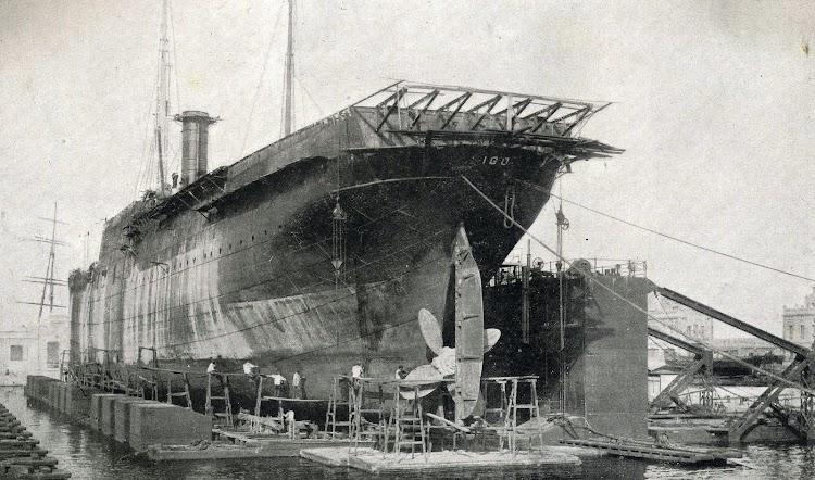 El ESPAÑA Nº 6 en proceso de transformacion. Memoria de la JOP de Barcelona. Años 1920 a 1922.jpg