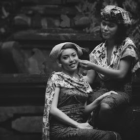Balinese Couple by Rah Juan - People Couples ( bali, monochrome, rah juan, couple, traditional, bali natural photoworks, people,  )