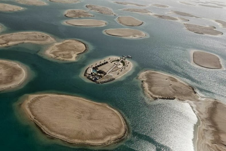 Dubais enormous the world artificial archipelago amusing planet world islands dubai 16 gumiabroncs Images