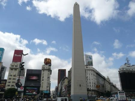 Obiective turistice Argentina: Obelisc Piata Republica Buenos Aires