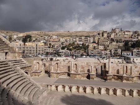 04. Amfiteatrul roman Amman.JPG