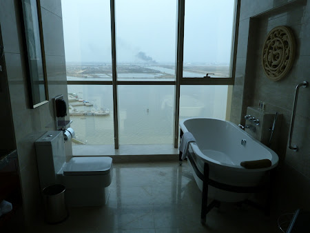 2. Hotel Crowne Plaza - Zhenjiang.JPG