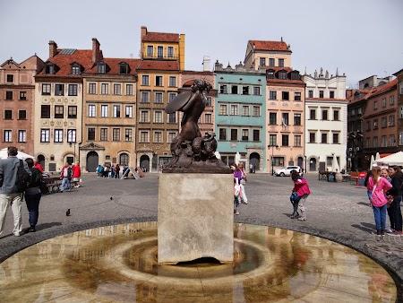 14. Sirena din Varsovia.JPG