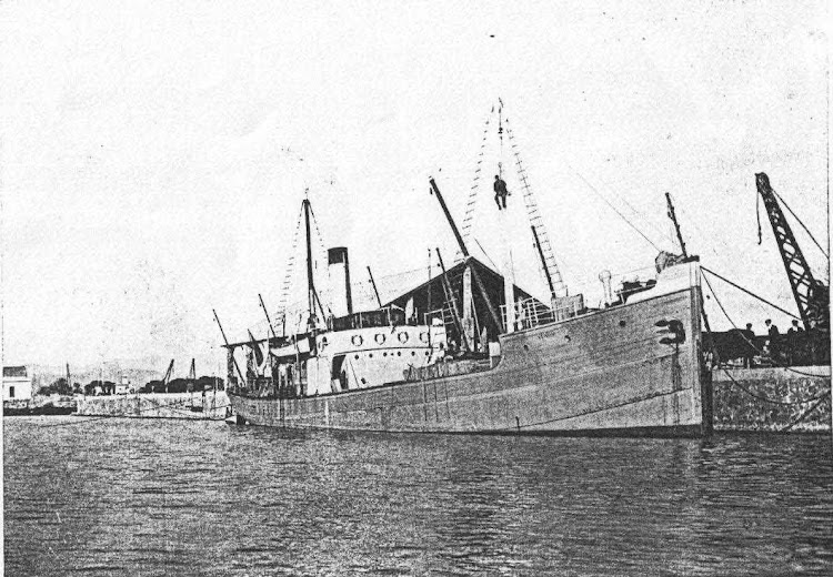 14 de diciembre de 1922. El vapor VENUS estrena el muelle de Levante en Castellon. Foto de la web UNIVERSO ALBINEGRO.jpg