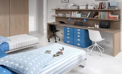 Dormitorio para dos hermanos de la colección Home at Home. Escritorio doble