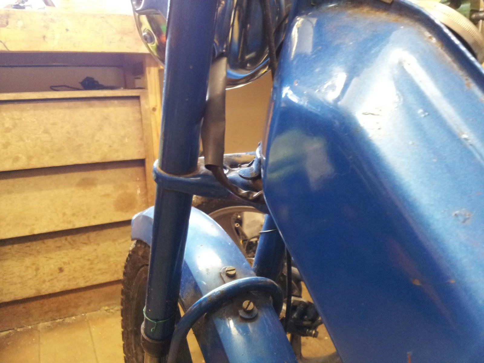 mopeds at dawn tomos re wiring. Black Bedroom Furniture Sets. Home Design Ideas