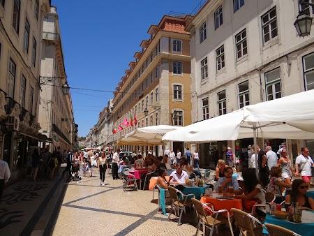 22. Strada principala din Lisabona.JPG