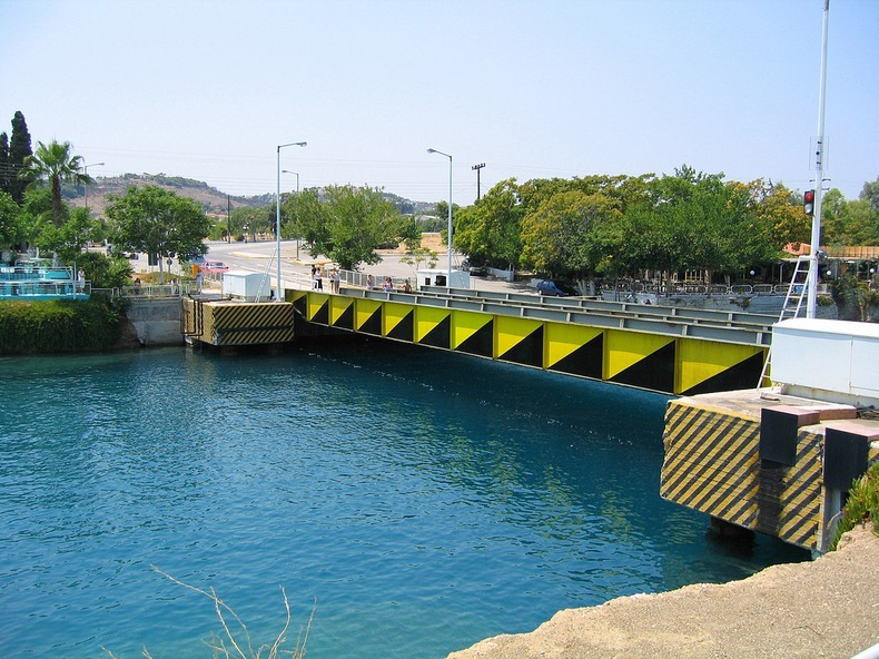 corinth-canal-submersible bridge-8