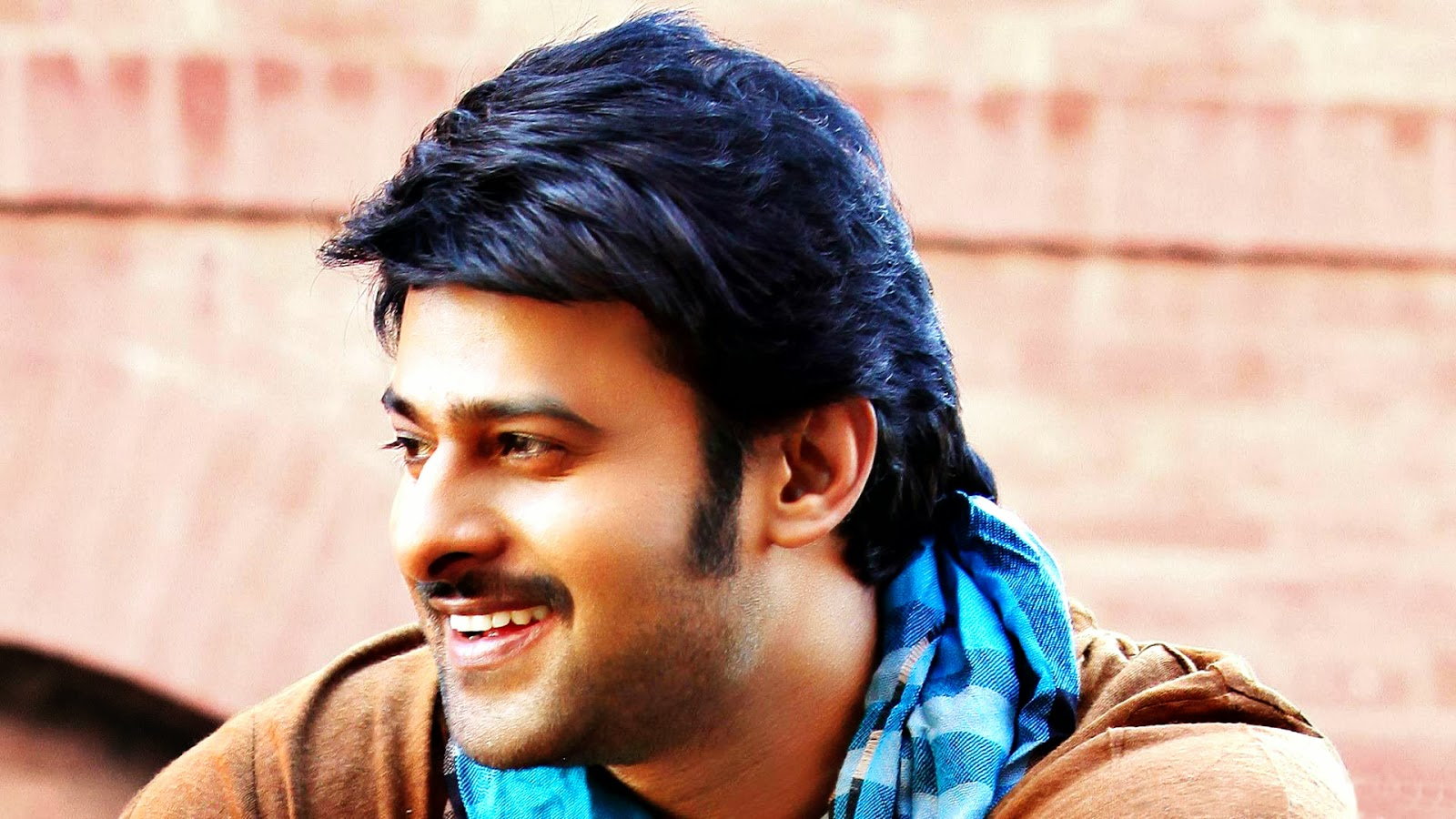 Stylish Prabhas Hq Wallpaper In Rebel: Mirchi Wallpapers Set 3