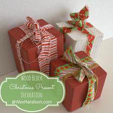 wood block christmas present decoration2
