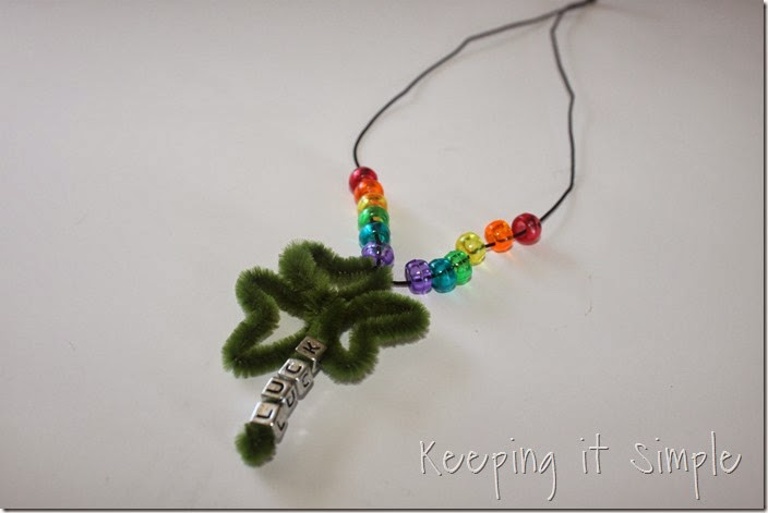 little-girls-shamrock-necklace #kidscraft (8)