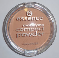 essence Mattifying Compact Powder_perfect beige