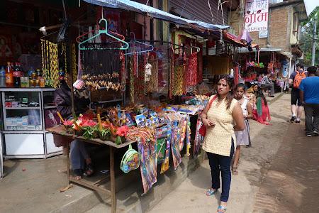 Shopping Nepal: bazar Manakamana