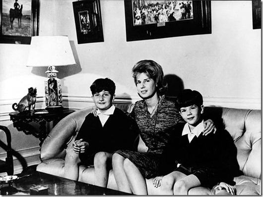 The 18th Duchess of Alba with her sons Alfonso and Jacobo...BEEP9N The 18th Duchess of Alba with her sons Alfonso and Jacobo