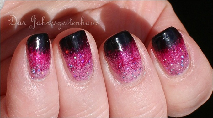 Black Pink Glitter Gradient Nails 2