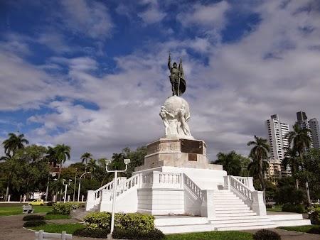 13. Statuia lui Balboa.JPG