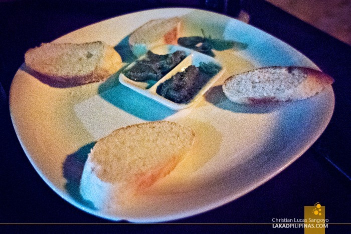 Complimentary Garlic Bread at Ocean Vida Restaurant in Malapascua Island