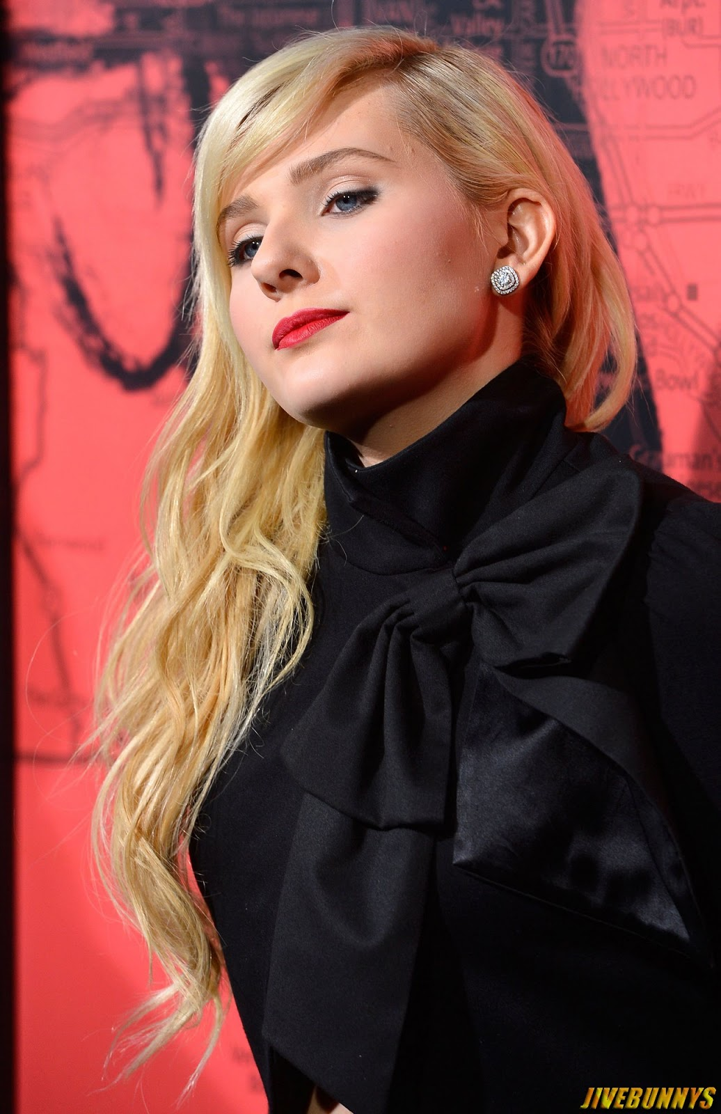 Abigail breslin sexy photos full nack top golden hair