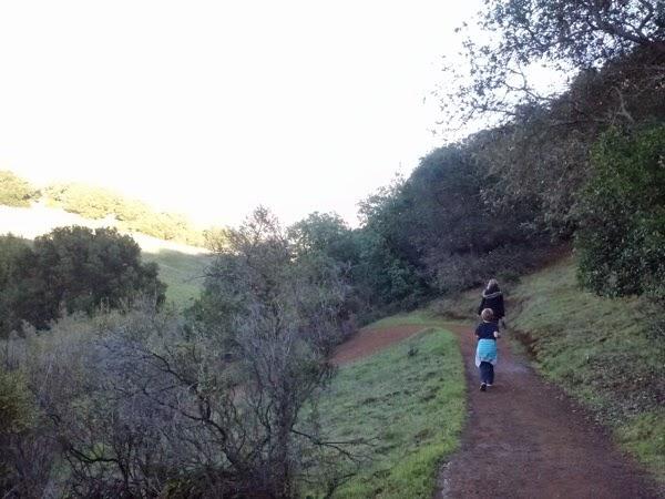 Family Hike 05