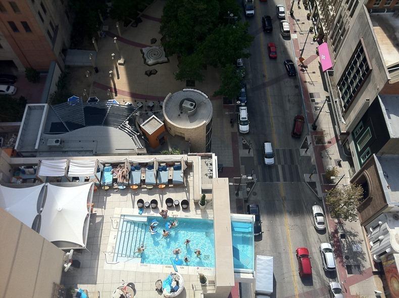 4 Incredible Hanging Hotel Pools Amusing Planet