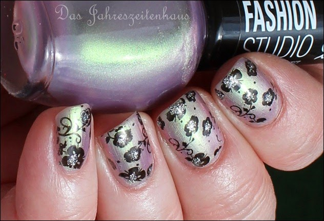 Flowers duochrom Nail Art 10