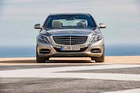 2014-Mercedes-S-Class-21.jpg