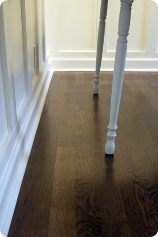dark floors white trim