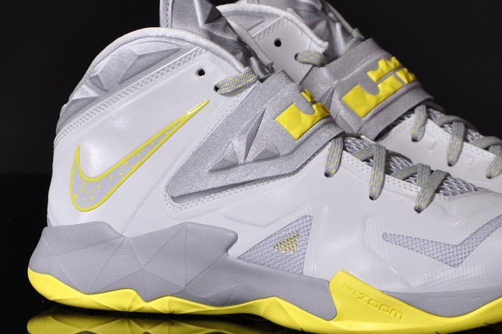 399bfabeca00 LeBron s Nike Zoom Soldier VII Available Now For  125 ( 5 Bump ...