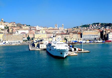 6. Ancona dinspre mare.jpg