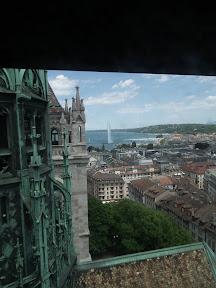 303 - Vistas desde la catedral de St. Pierre.JPG