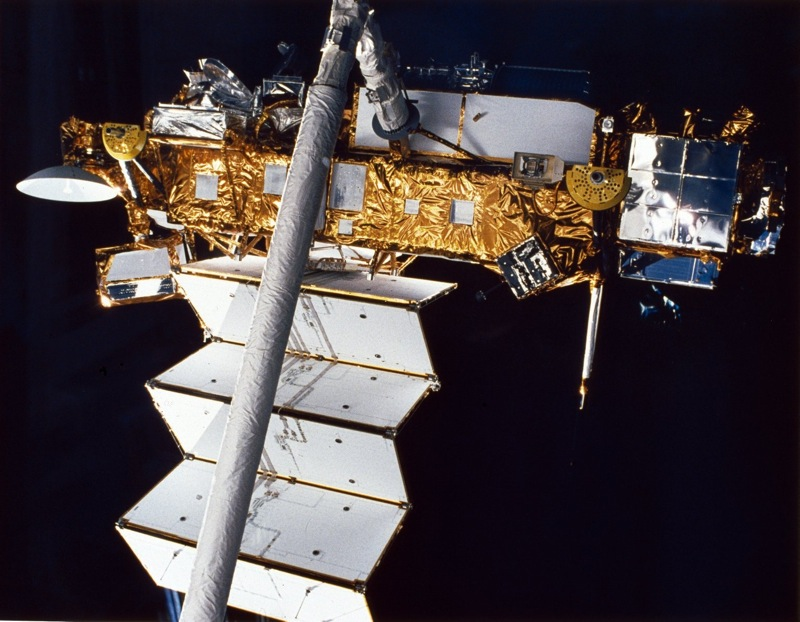 STS 48 UARS deployment