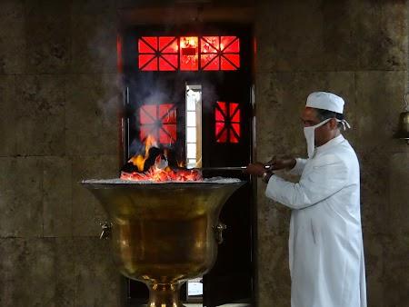 15. Preot zoroastrian.JPG