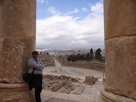16. Piata ovala Jerash.JPG