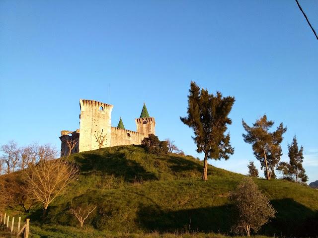 Castelo Porto de Mós num dia de sol
