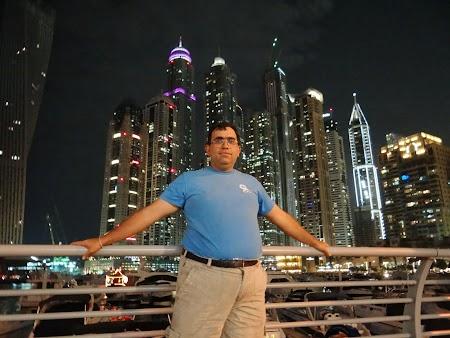 Dubai Marina noaptea
