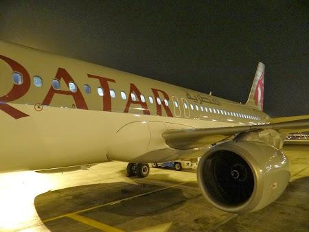47. Avion Qatar Airways la Muscat.JPG