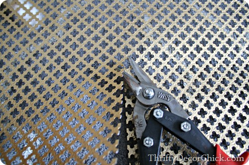 cutting metal using tin snips