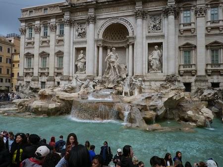 12. Fontana di Trevi - Roma.JPG