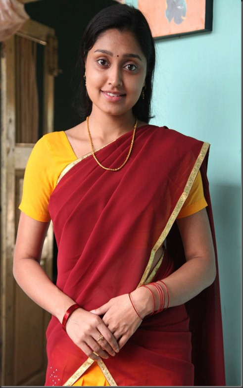 Actress Sreeja in Kozhi Koovuthu Movie Stills